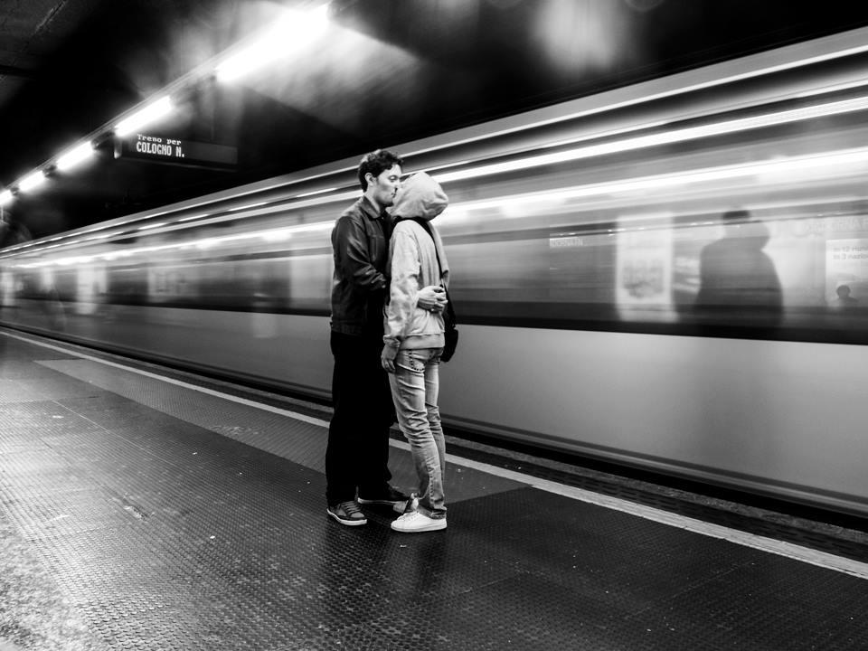 """metro kiss""  by Giulio Annibali"