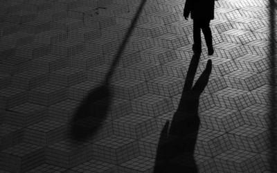 'Caminante anónimo por Alicante' by Juanfran Egea Manchón, Spain